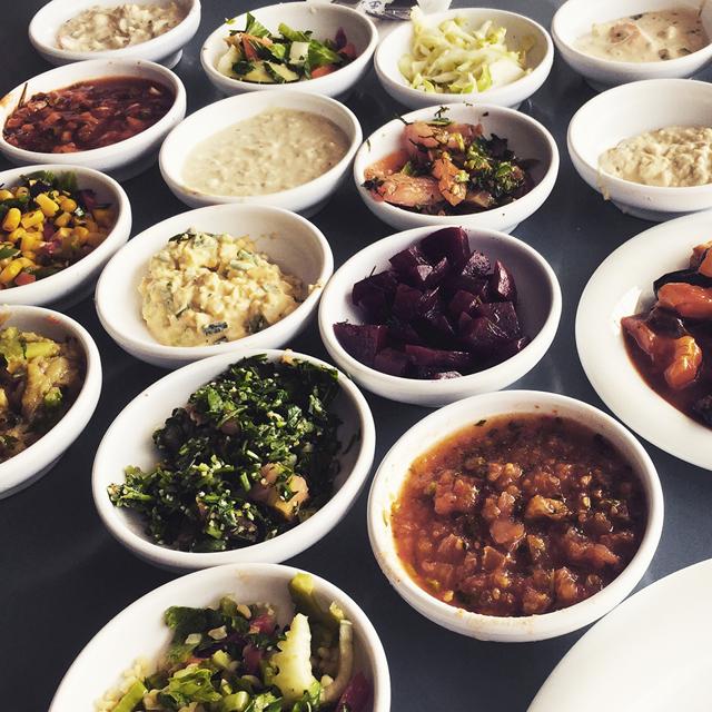 Где поесть в Тель-Авиве с любым бюджетом – 15 удачных вариантов для туриста