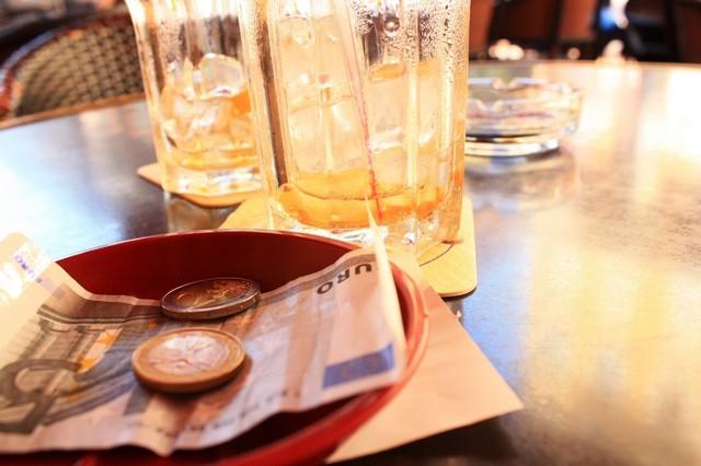 Чаевые в Венгрии – сколько принято оставлять «на чай» в ресторанах страны