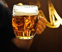 Национальные алкогольные напитки Чехии – какое спиртное пьют в стране