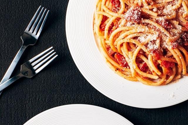 Как готовят и едят пиццу в Италии – 7 увлекательных фактов о культовой еде