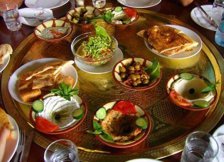 Греческий фаст-фуд – чем можно перекусить на улицах Афин и других городов