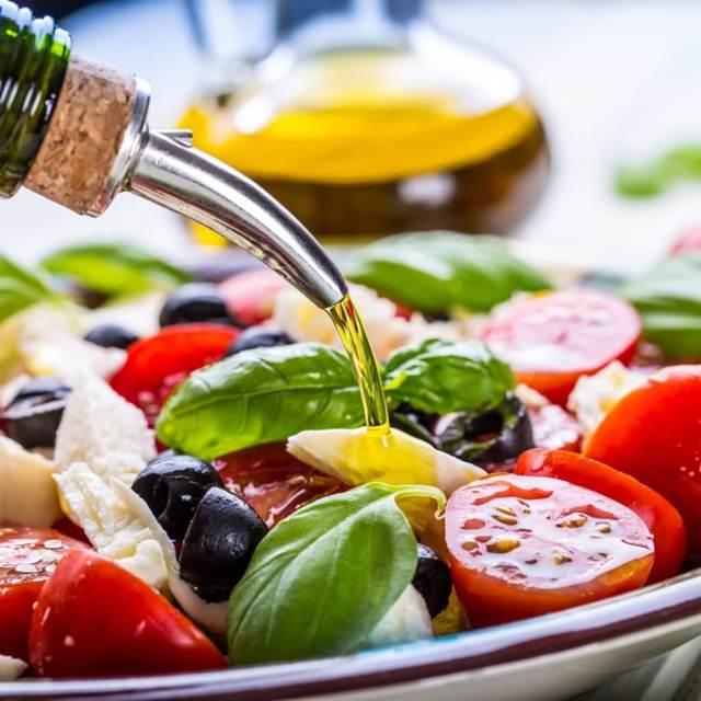 Базилик: состав, калорийность, описание, фото, полезные свойства, применение в кулинарии