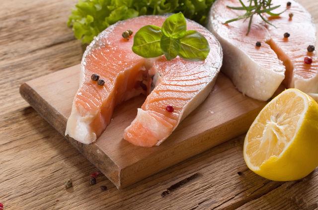 Как правильно выбрать свежую и замороженную рыбу в магазине