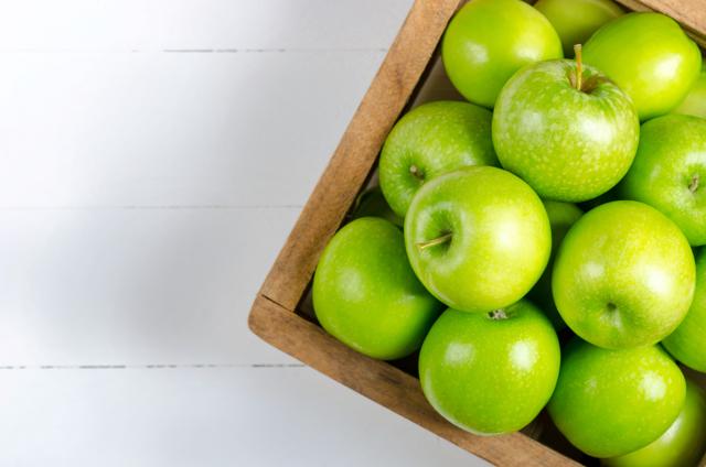 Яблоко: фото и описание фрукта, состав, калорийность, полезные свойства и вред