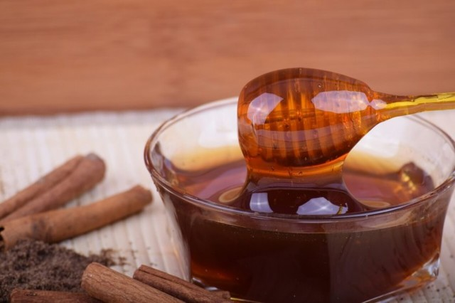 Как правильно выбрать хороший мед на рынке