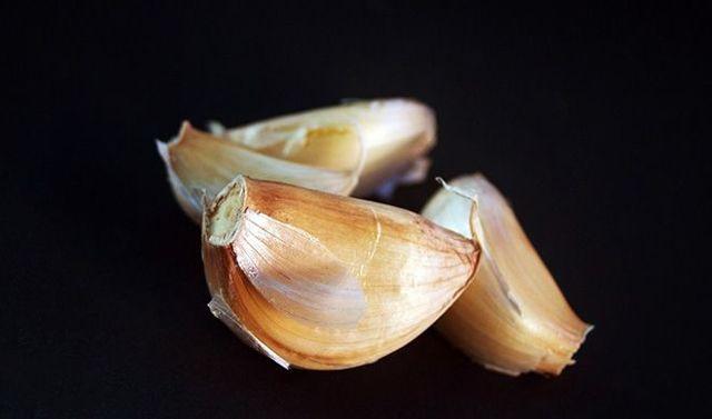 Свежий и маринованный чеснок польза и вред для мужчин и женщин, полезные вещества