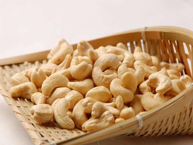 Орехи кешью: состав, калорийность и полезные свойства