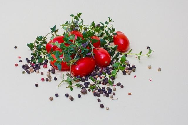 Чабрец (тимьян): фото и описание пряности, состав, полезные свойства