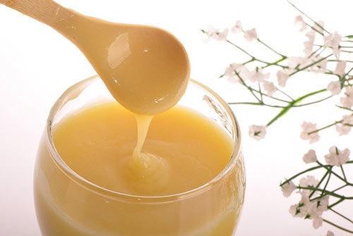 Маточное молочко: полезные свойства и вред, применение при зачатии и бесплодии