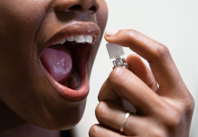 Причины плохого запаха изо рта, как избавиться от запаха изо рта